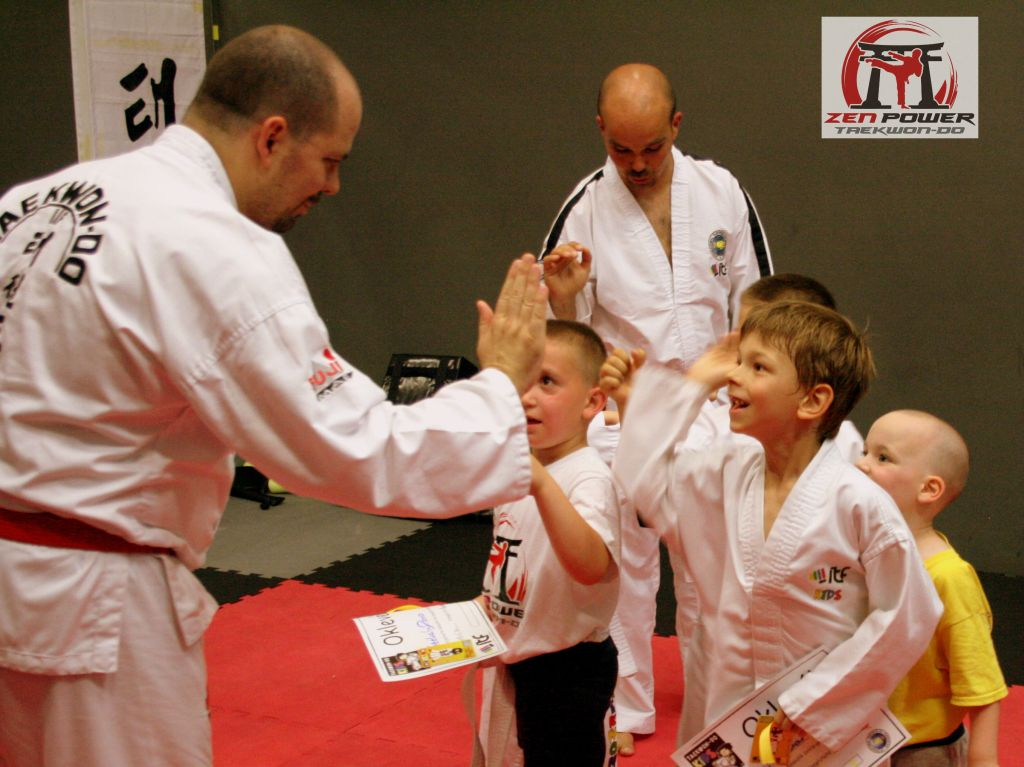 TKD Kids teamwork